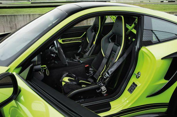 2016-techart-gt-streetr-porsche-911-turbo-front-seats