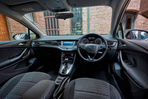 2017-holden-astra-australian-launch-interior