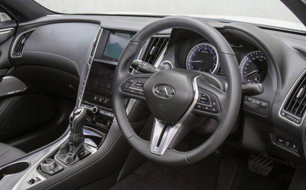 2017-infiniti-q60-gt-interior