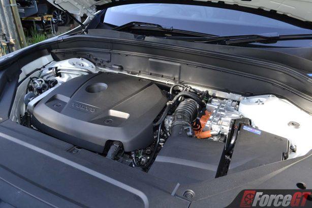 2017-volvo-xc90-t8-engine