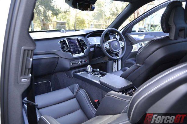 2017-volvo-xc90-t8-interior
