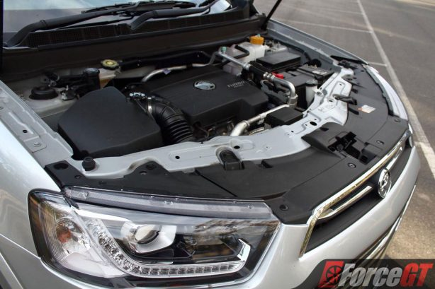 2017_holden_captiva_ltz_awd_engine