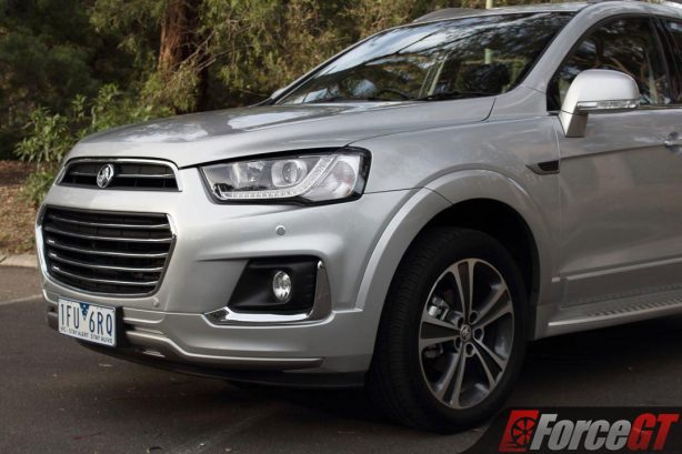 2017_holden_captiva_ltz_awd_front_quarter_closeup_1