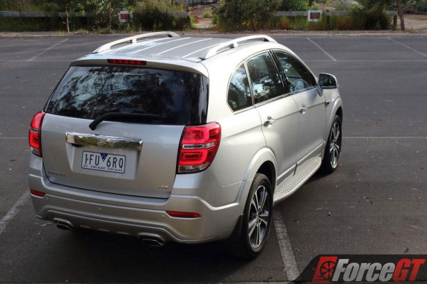 2017_holden_captiva_ltz_awd_rear_quarter_1