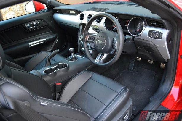 2017-ford-mustang-gt-coupe-interior