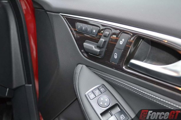 2017-infiniti-qx30-electric-seat-adjusters