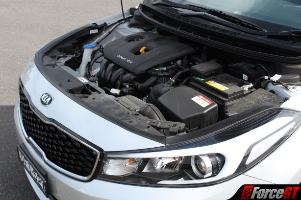 2017_kia_cerato_sedan_engine_bay