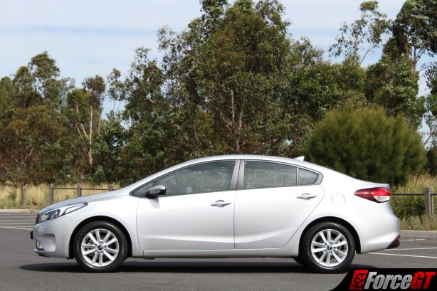 2017_kia_cerato_sedan_side_profile