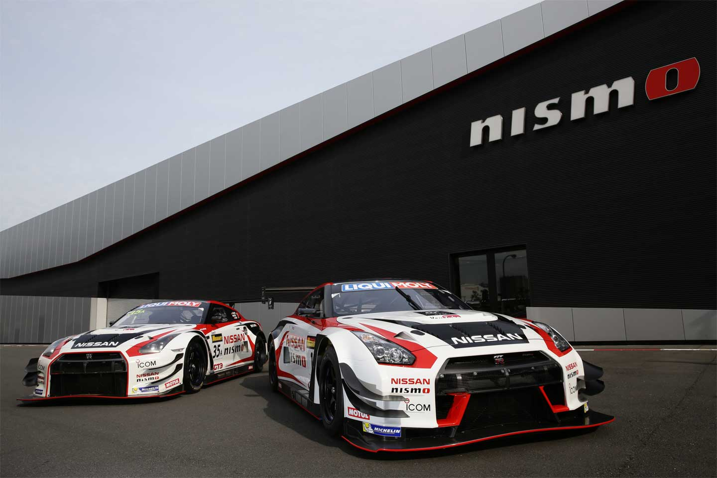 Nissan to take on 2017 Bathurst 12 Hour with two GT-R ...