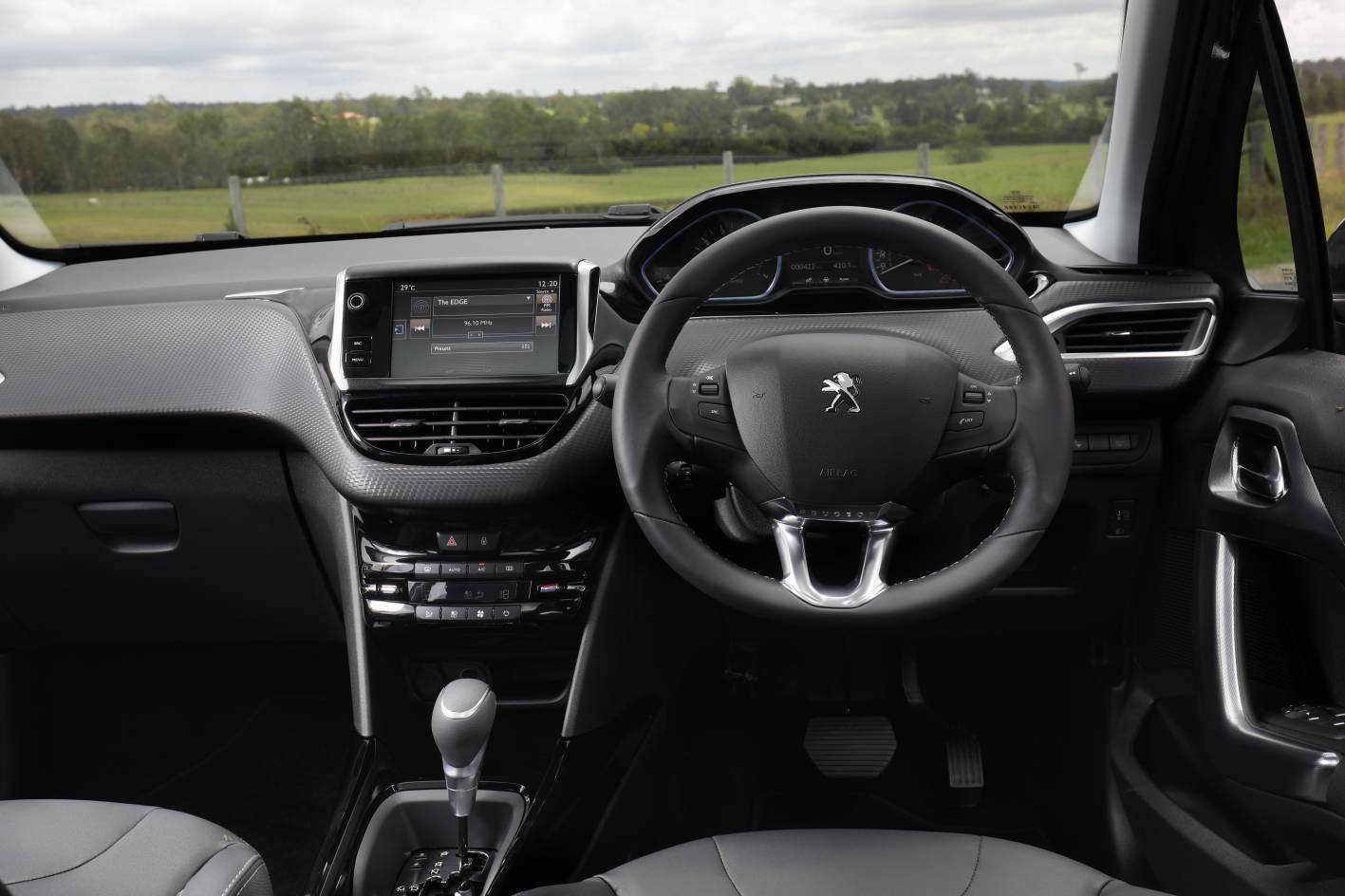 2017-peugeot-2008-allure-interior - ForceGT.com