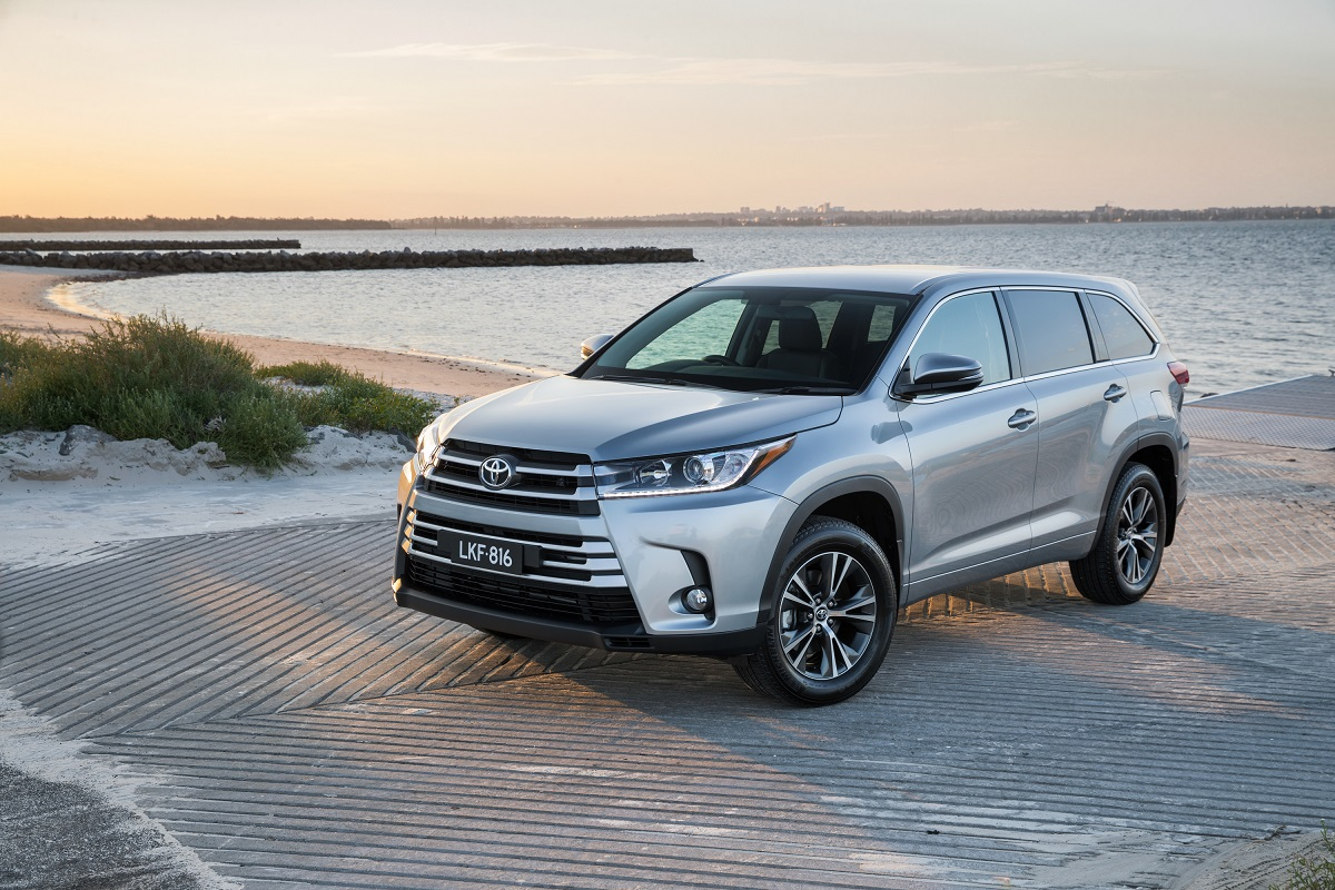 pricier 2017 toyota kluger steps up in power and features