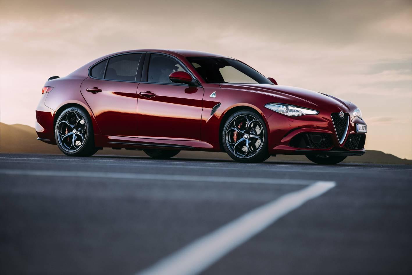 Alfa Romeo Giulia takes on midsize premium segment from ...