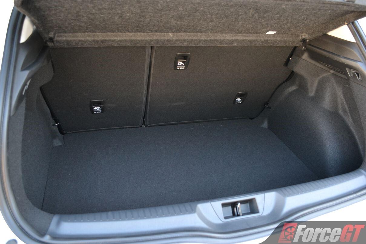 Corolla Vs Civic 2017 >> 2017 Renault Megane Hatch Review - ForceGT.com