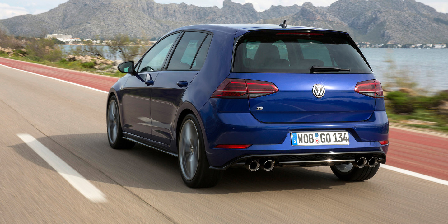 2017 Volkswagen Golf GTI and R pricing and specs: Golf R