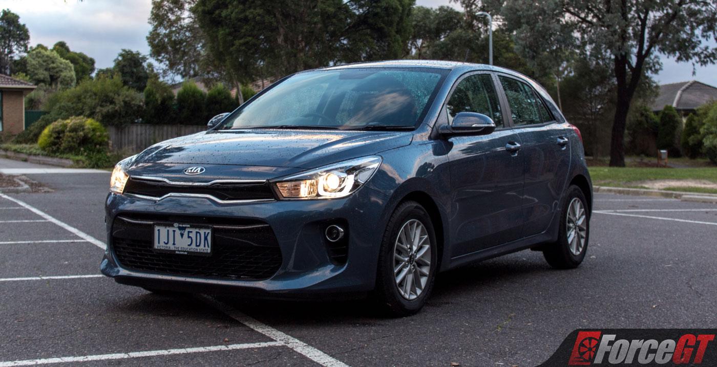 light car comparison  kia rio   toyota yaris review forcegtcom