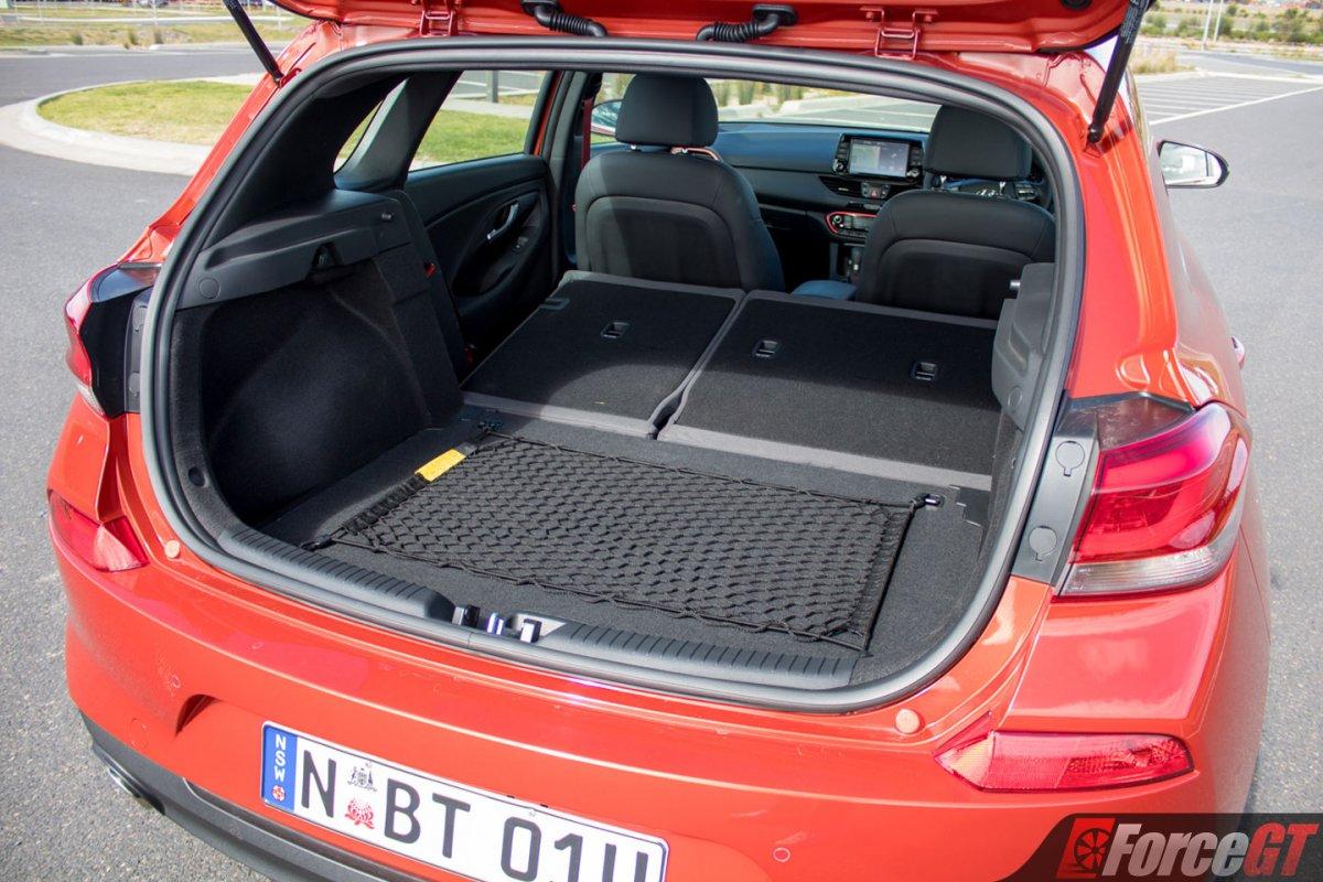 2017 Hyundai i30 Review - SR Premium vs Premium, Petrol vs ...