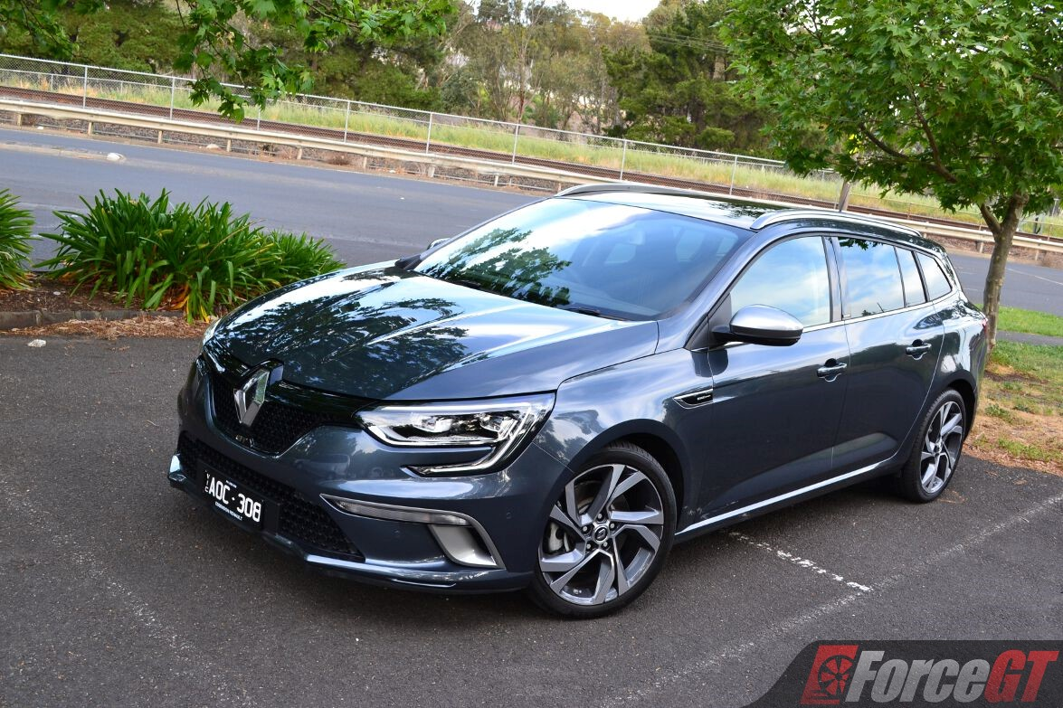 2017 Renault Megane Wagon Review - ForceGT.com