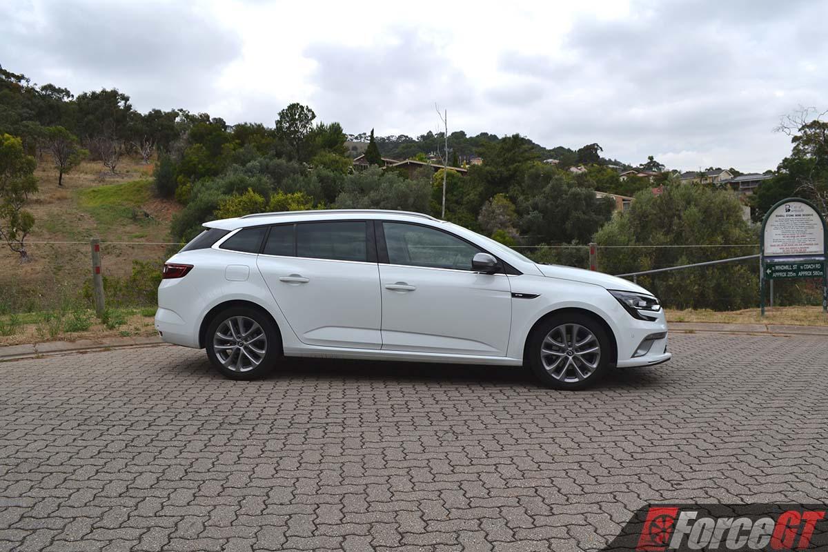 Hyundai Santa Fe Grand 2018 >> 2018 renault megane wagon gt line side - ForceGT.com