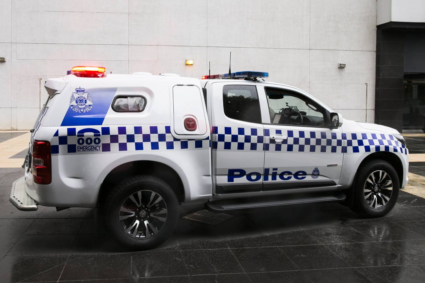 Holden Colorado As New Divisional Vans For Victorian Police Forcegt Com