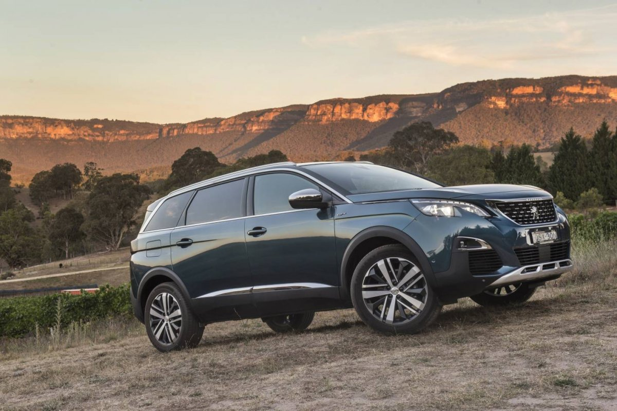 Lexus 7 Seater >> Peugeot 5008 7-seater SUV promises benchmark space and versatility - ForceGT.com