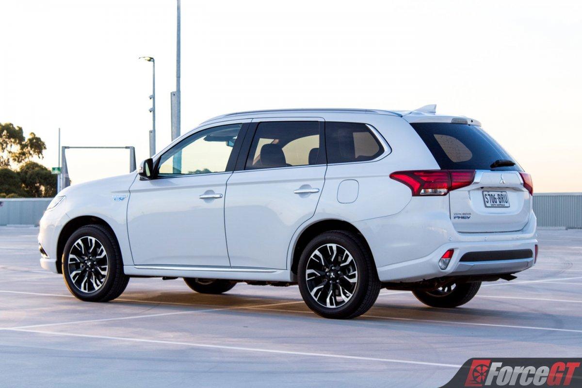 Ford Kuga Towing Capacity >> 2018 Mitsubishi Outlander PHEV Review - ForceGT.com