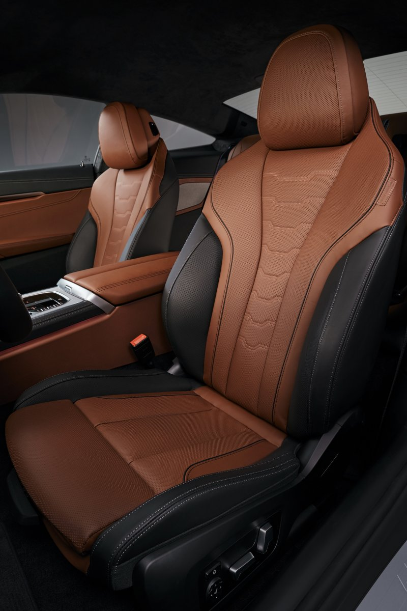 2019-bmw-8-series-front-seats - ForceGT.com