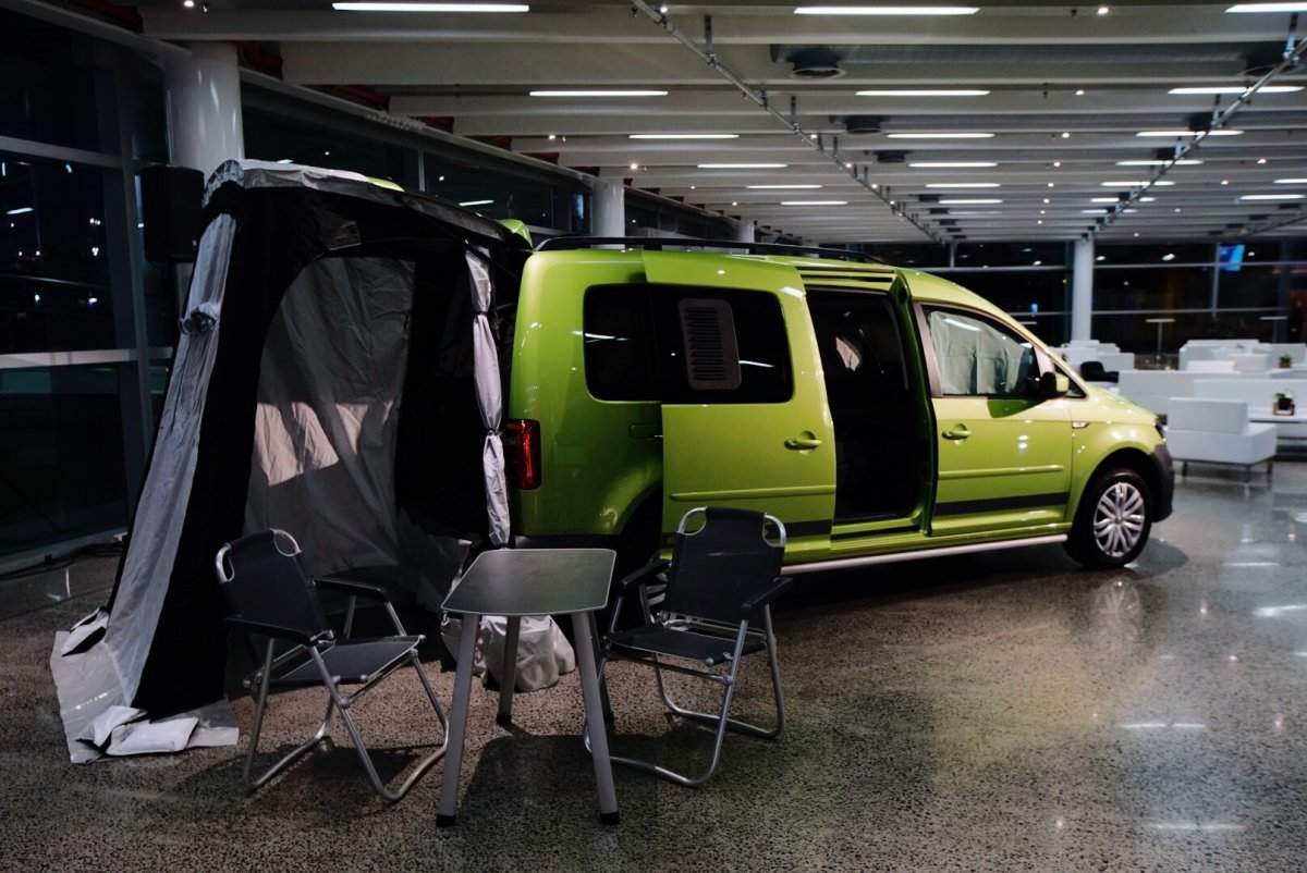 volkswagen reveals caddy beach campervan forcegtcom