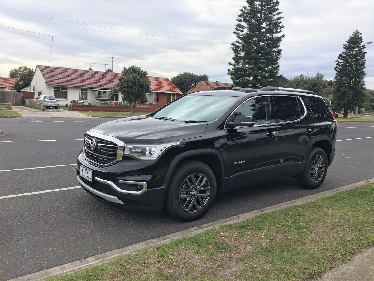 Holden Acadia spotted ahead of Q4 2018 launch - ForceGT.com