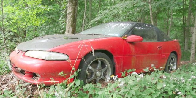 Eagle Talon stuck in the woods for 10 years brought back to life