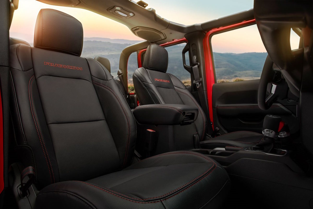 Jeep Wrangler 2019 Interior >> 2020 Jeep Gladiator debuts at the LA Auto Show - ForceGT.com