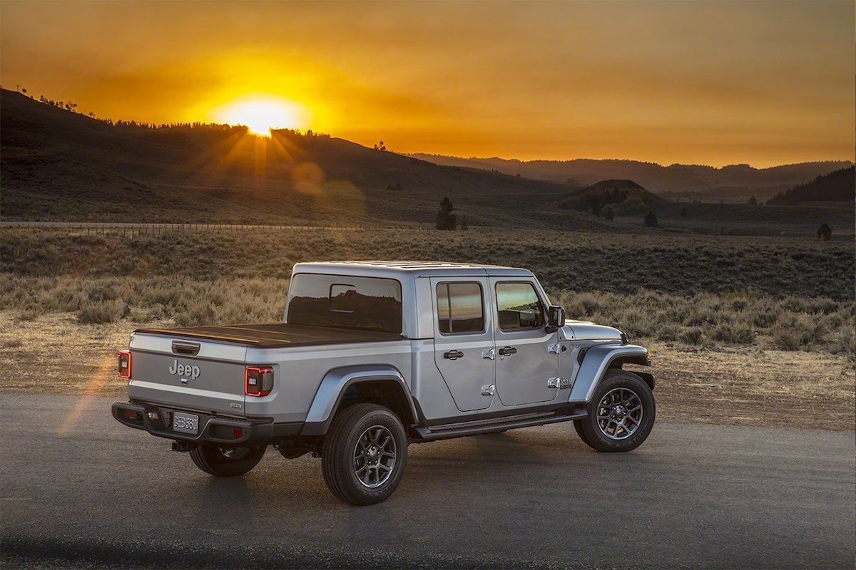 2020 Jeep Gladiator Debuts At The La Auto Show Forcegt Com
