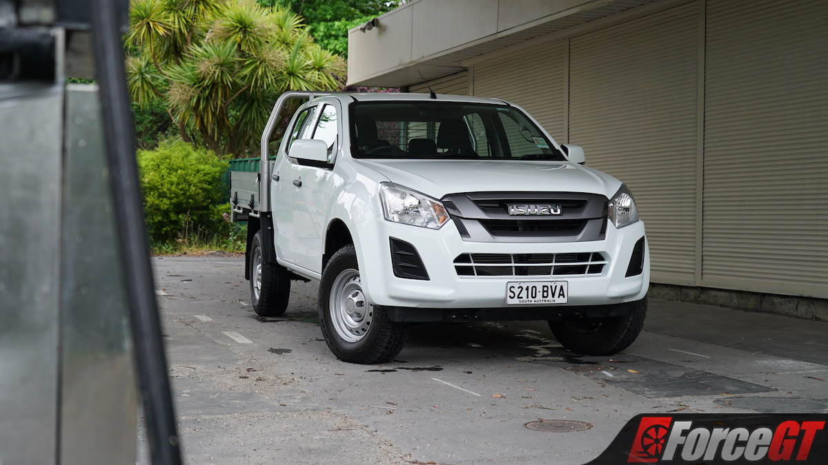 2019 isuzu d max sx cab chassis review
