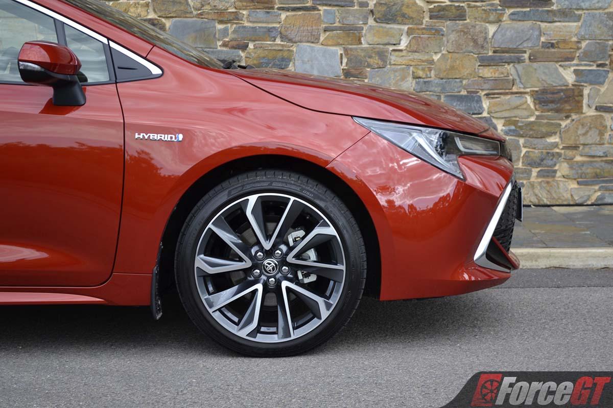 2019 Toyota Corolla Zr Hybrid Hatch 18 Inch Wheel Forcegt Com
