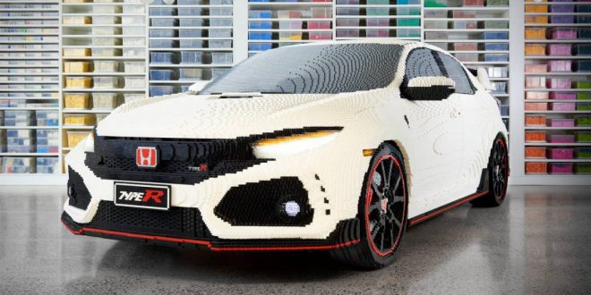 Honda Civic Type R transforms into life-size Lego model