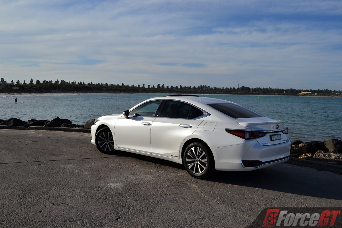 2019 Lexus Es 300h Review Forcegt Com