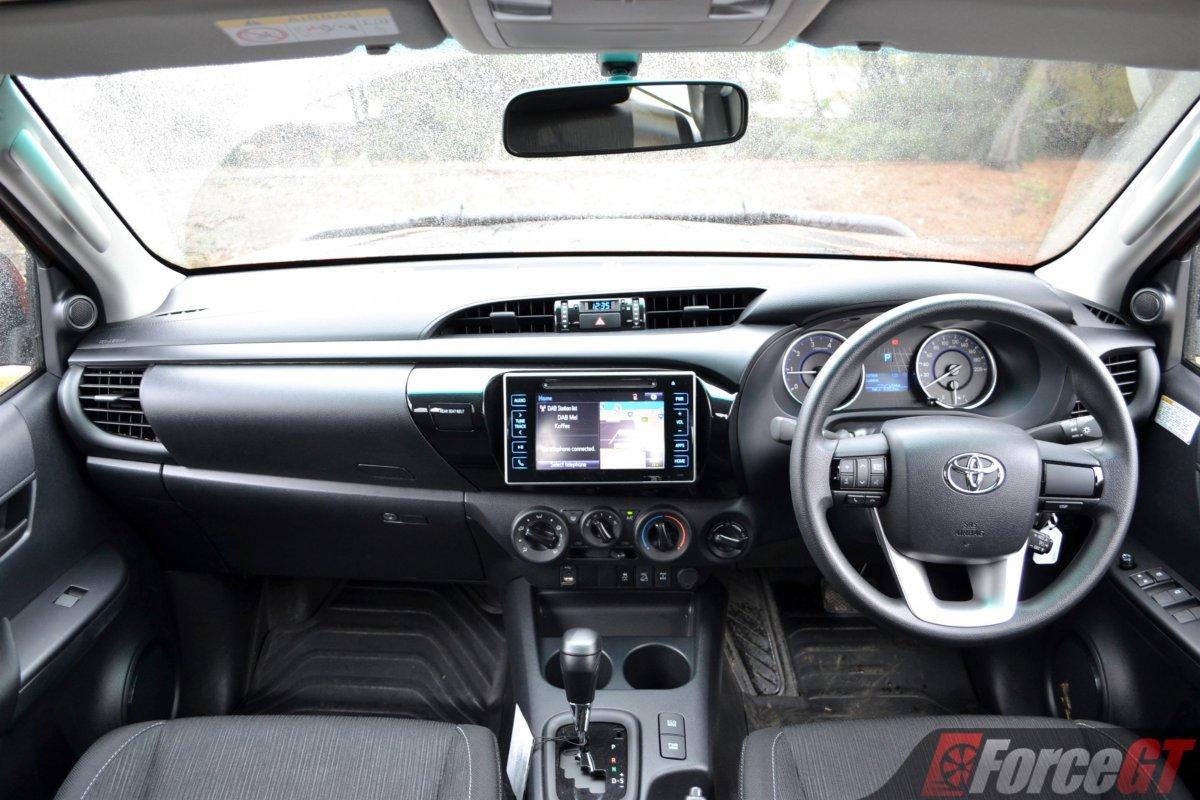 Toyota hilux 2019 interior
