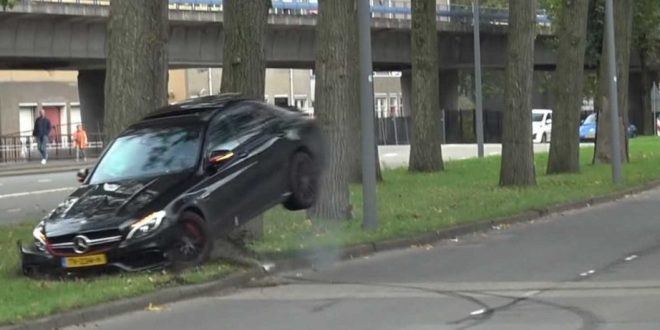 Mercedes-AMG C63 slams into tree in failed drift attempt
